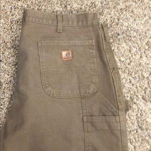 Men's carhart pants.